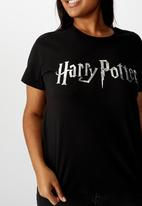 Cotton On - Curve graphic license tee lcn wb harry potter logo - black