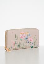 Pierre Cardin - Luna floral purse - pink
