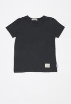 Sticky Fudge - Basic T-shirt - black
