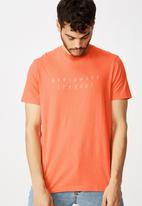 Cotton On - Tbar text short sleeve tee - orange