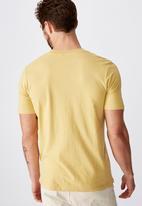 Cotton On - Tbar art short sleeve tee - yellow