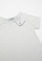 Sticky Fudge - Babies basic T-shirt - grey