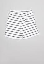 Sticky Fudge - Play shorts - white & grey