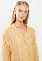 Superbalist - Sleep shirt & shorts set - yellow