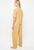 Superbalist - Sleep shirt & pants set - yellow