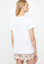 Superbalist - Sleep tee & shorts set - pink & white