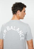New Balance  - Arch graphic tee - grey
