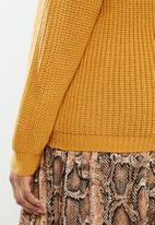 edit Plus - Stitch detail crew - yellow