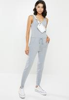 Missguided - Sleeveless jersey jumpsuit - grey