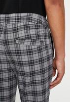 Factorie - Slim fit tapered leg pant - grey & black