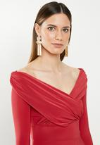 Missguided - Slinky long sleeve bardot maxi dress - red