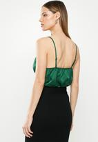 Missguided - Satin cowl neck bodysuit - green