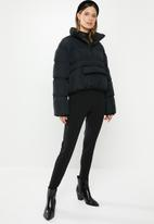 Missguided - Cropped overhead puffer jacket - black