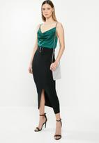 Missguided - Ribbed knitted midi skirt - black