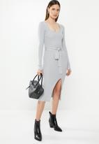 Missguided - Ribbed tie waist midi dress - grey
