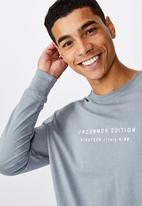 Cotton On - Uncommon edition Tbar long sleeve tee - grey