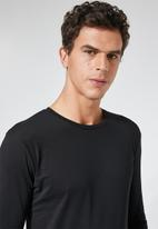 Superbalist - Plain long sleeve crew neck tee - black
