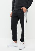 Nike - Nike sportswear cf cb pants - multi