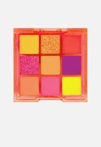 W7 Cosmetics - Vivid Eyeshadow Palette - Outrageous Orange