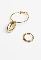 Superbalist - Cowrie shell hoop earrings - gold
