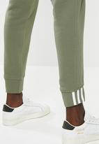 adidas Originals - R.y.v cuff pant - green