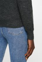 Jacqueline de Yong - Cora long sleeve Hi-neck pullover knit - grey