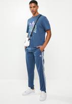 adidas Originals - Multi fade tee - blue