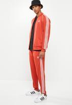 adidas Originals - Sst trackpants - red