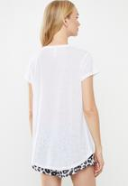 Cotton On - Dreamy sleep T-shirt freshly squeezed - white