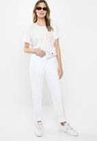 Cotton On - Classic slogan T-shirt salty - white
