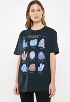 Missguided - Crystals vintage wash oversized graphic T-shirt - black
