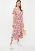 Cotton On - Woven clover short sleeve midi dress - multi