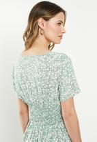 Cotton On - Woven clover short sleeve midi dress - green & white