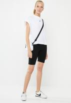 Nike - Nsw essential top - white