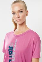 Nike - Nike short sleeve top - pink