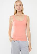 Cotton On - Square front rib tank - coral