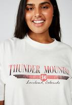 Cotton On - Curve oversized graphic tee thunder mountain - cream