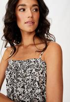 Cotton On - Woven Louise drop hem mini dress blair floral paisley - black & white