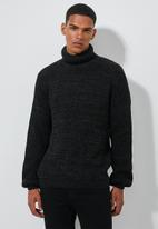 Superbalist - Chunky textured roll neck knit - black