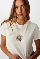 Cotton On - Tbar Cara graphic crop T-shirt seaweed - cream