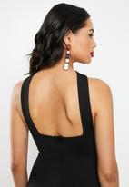 Missguided - Tie back halter maxi dress - black