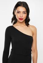 Missguided - One shoulder belted jumpsuit - black