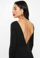 Missguided - Long sleeve open back fishtail maxi - black