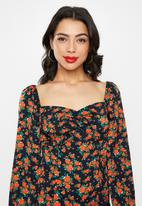 Missguided - Milkmaid long sleeve midi dress floral - multi