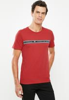GUESS - Guess stripe tee - red