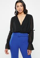 Missguided - Chiffon plunge tie sleeves bodysuit - black