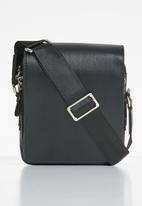 Superbalist - Trey crossbody bag - black