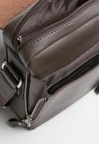 Superbalist - Trey crossbody bag - brown