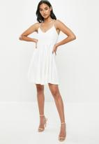 Missguided - Petite strappy scuba skater dress - white