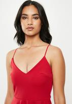 Missguided - Petite strappy scuba skater dress - red